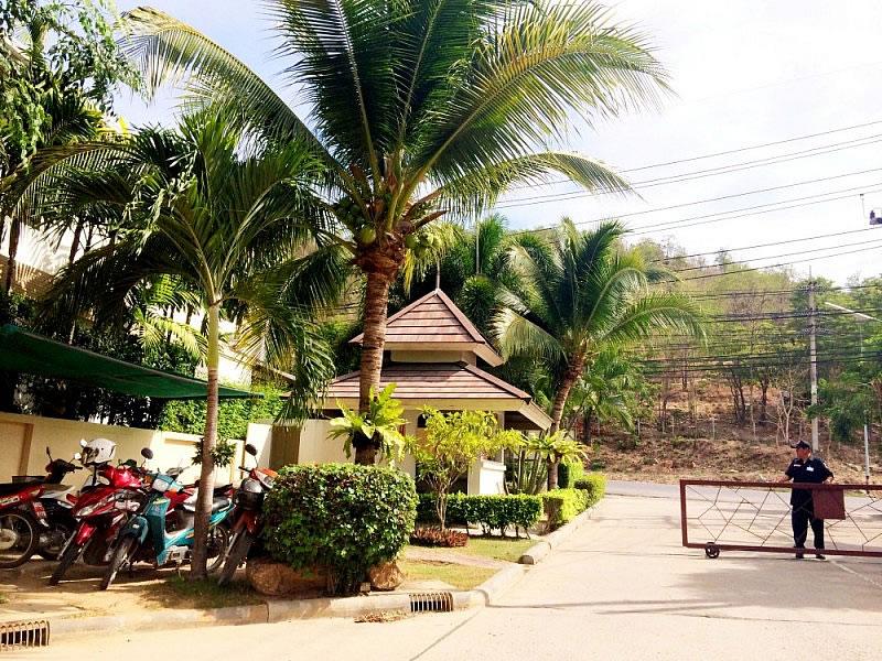 Небольшая вилла в аренду в охраняемом поселке на западе Хуа Хина