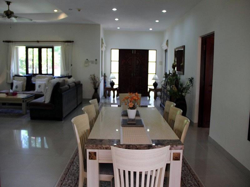 Вилла люкс класса в аренду в Хуа Хине