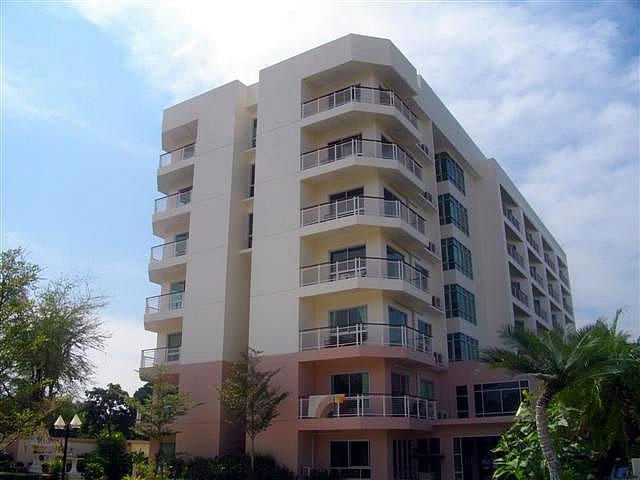 Купить квартиру в Хуа Хине Flame Tree