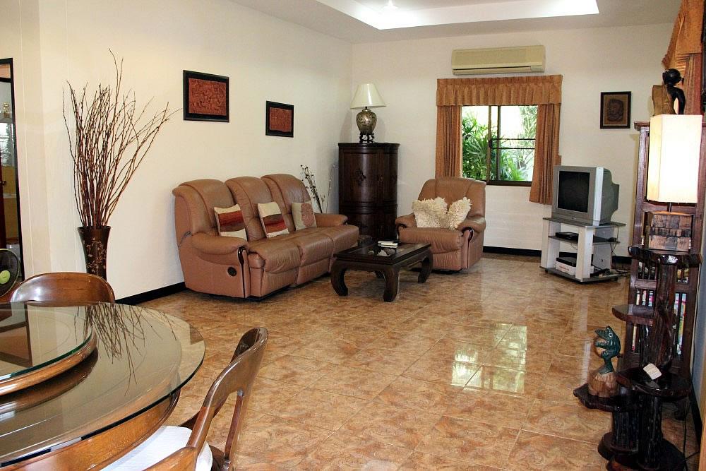 4 комнатный дом в аренду в Хуа Хине