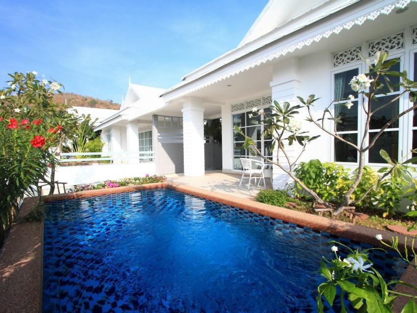 Недорогой уютный дом с бассейном