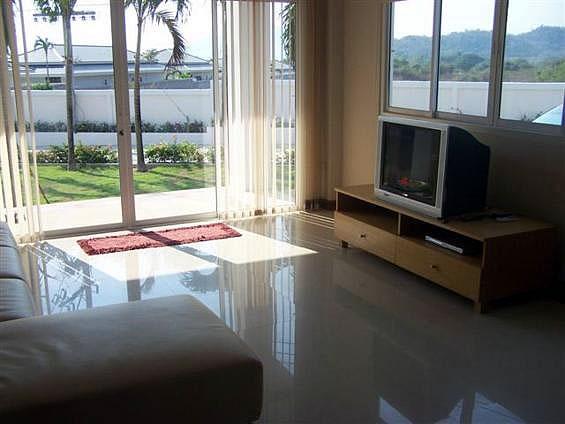 Недорогая двухэтажная квартирам недалеко от центра в аренду в Хуа Хине