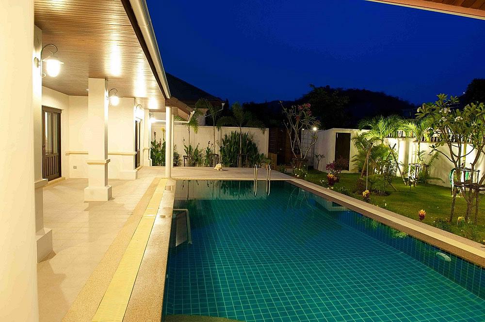 Вилла с большим бассейном Хуа Хин купить