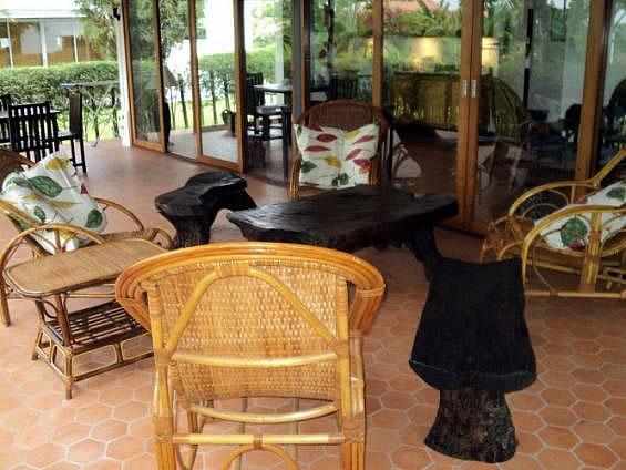 Villa Vista Hua Hin rent buy