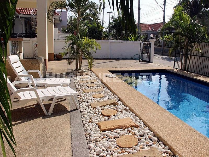 Недорогая вилла с бассейном в аренду в Хуа Хине
