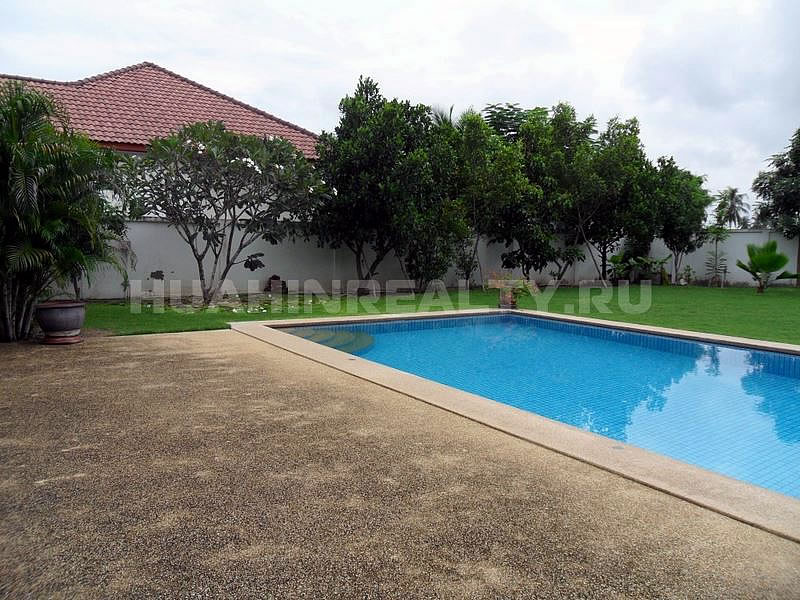 Victoria villa for rent in Huahin