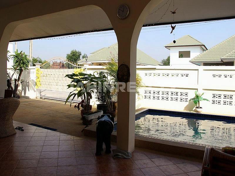 Недорогой дом с бассейном в Хуа Хине 1
