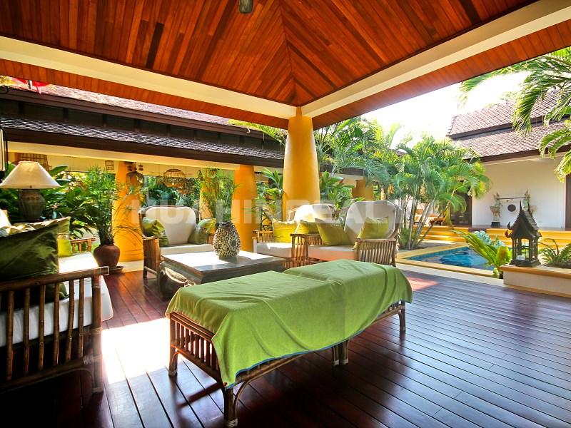Люкс вилла с 5 спальнями в аренду в Хуа Хине 1