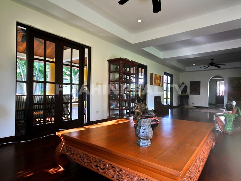 Люкс вилла с 5 спальнями в аренду в Хуа Хине 35