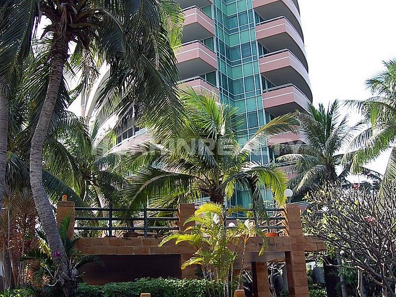 Шикарные апартаменты в Esplanade кондоминиуме 24