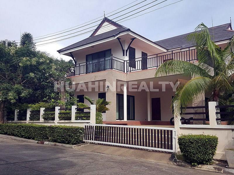 3 спальная вилла в аренду в центре Хуа Хина 1