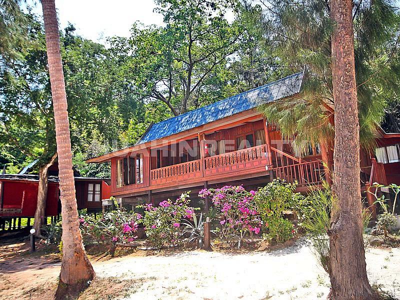 Бунгало в отеле Koh Talu Island Resort