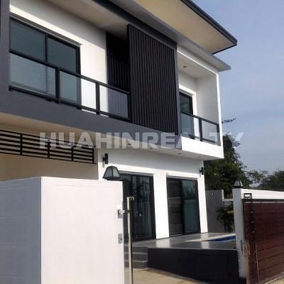 Новый современный дом с 5 спальнями в Хуа Хине 1
